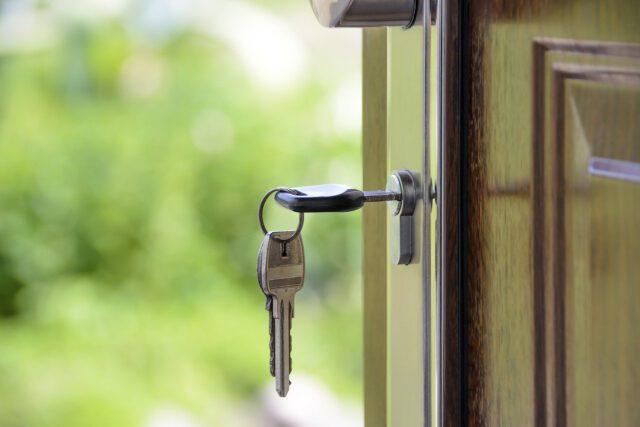 Jak dobrać odpowiednie mieszkanie dla seniora?
