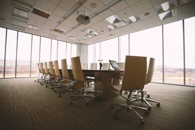 Wyposażenie biura – co koniecznie trzeba mieć