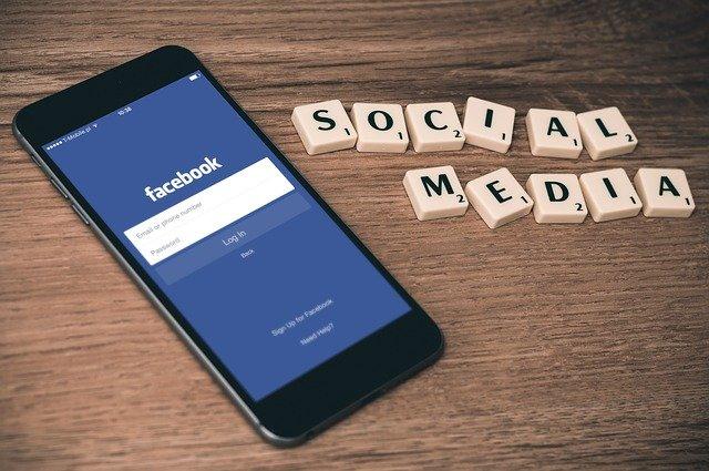 jak pisać posty na FB